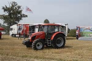 tracteur Zetor FORTERRA 130 HSX
