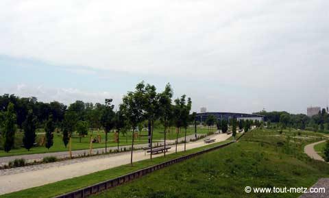 Parc de la Seille à Metz les arenes 5