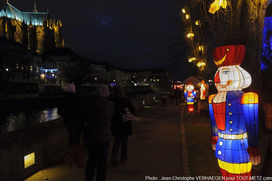 Parcours poétique et décalé, le sentier des lanternes de Noël est l'une des 700 animations proposées à l'occasion des Noëls de Moselle. En 2012, plus de 65.000 visiteurs avaient fréquenté ses allées.