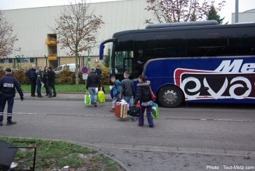 Manuel Valls à Metz, le camp de Blida évacué