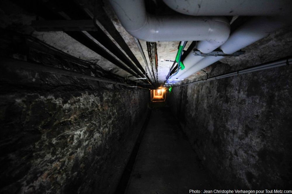 couloir cave vers les geôles