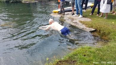 Photo of Baignade publique dans le canal : le maire de Metz mouille le maillot (de bain)