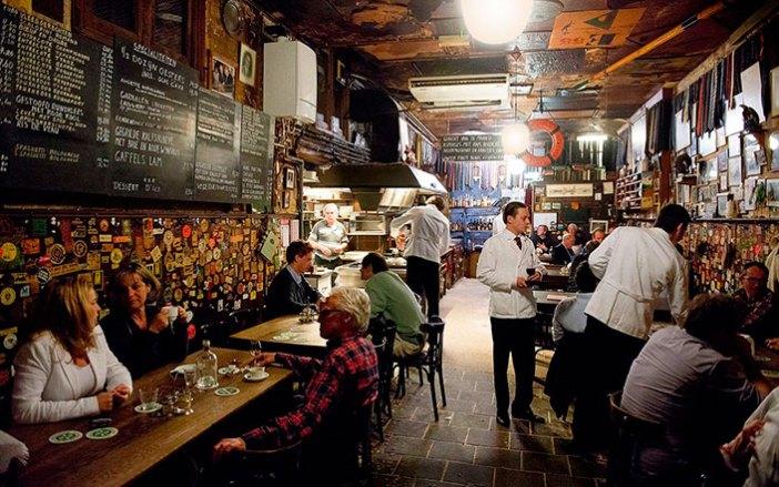 Где недорого поесть в Роттердаме: ресторан Bierhandel De Pijp