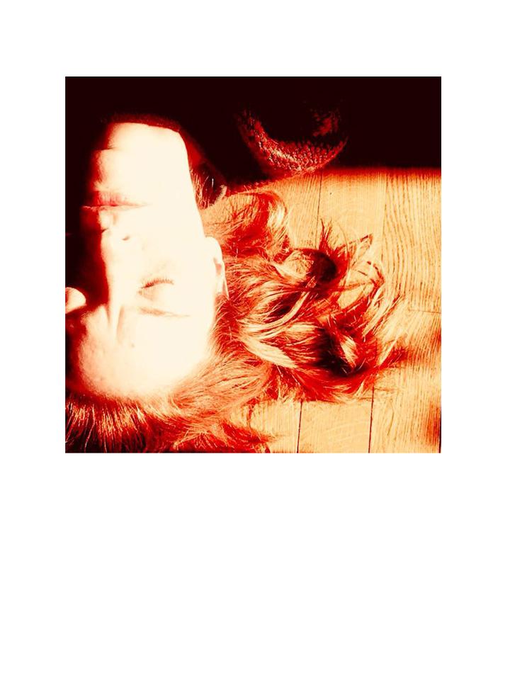 Photographie autoportrait Burning couleur par Anna Yurienen Gallego