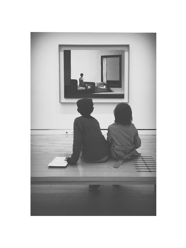 Photographie enfants au musée nb par Anna Yurienen Gallego artiste photographe