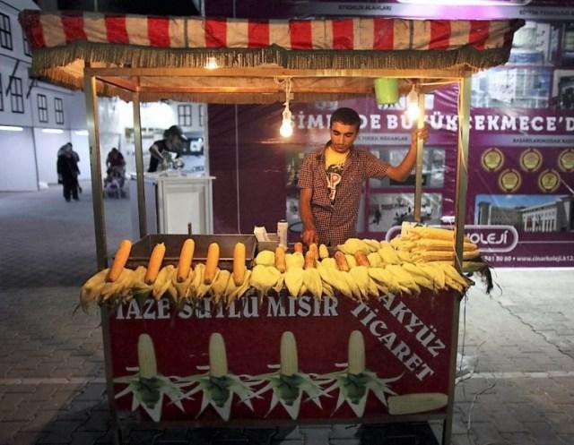 street-food-vendeur-de-mais-Istanbul