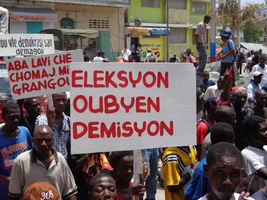 08-14-2013-manifestation-anti-martelly-cap-haitien