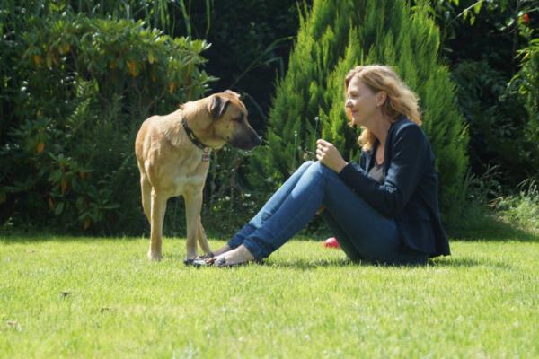 Le chien vit désormais avec elle en Allemagne