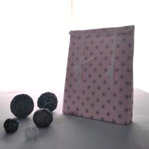 Emballages - Pochettes cadeaux - Fleurs - Fond Rose