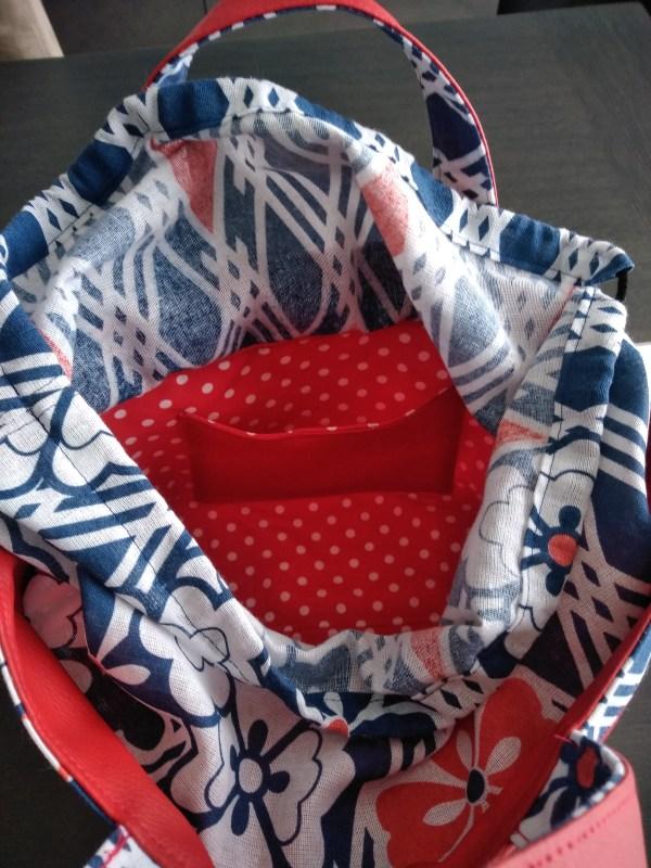 """Sac à déjeuner """"Rouge et motifs japonais"""" - Intérieur"""