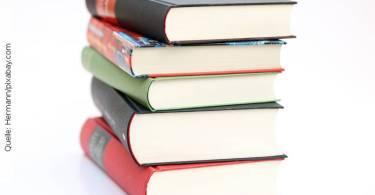 Fernstudium: Bücherstapel Quelle: Hermann/pixabay.com