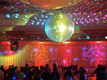 Disco-Ball-Party-Room