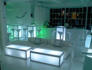 Glow-Tables-Mod-Stools-for-corporate-event