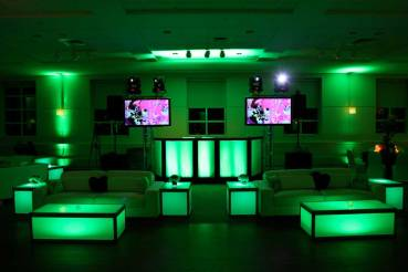 Event-uplighting-and-illuminated-furniture