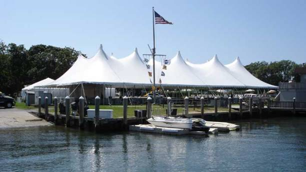 Montauk-yacht-club-event-with-giant-tent-rental
