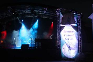 Outdoor-concert-lighting