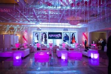 Event-rentals-pink-lounge-furniture-illumuninated-cubes