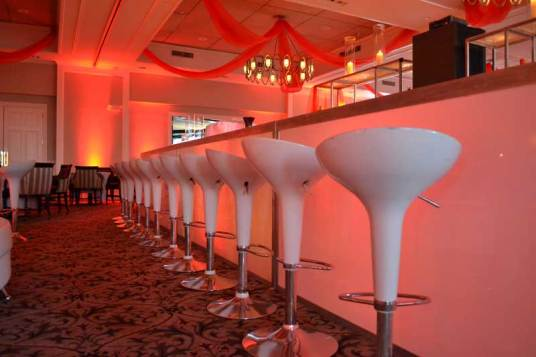 Event-Production-Scoop-Stools-and-Illuminated-Bar