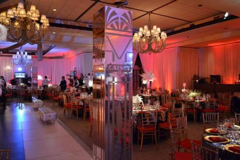 Gatsby-Event-Production-Mirrored-Column-and-Event-Furniture