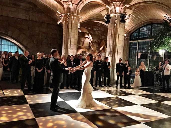 Portable-Black-and-White-Wedding-Dance-Floor-Rental