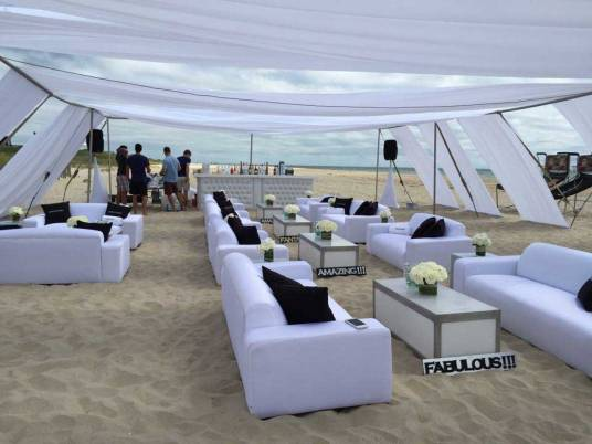 8ft-and-6ft-Sofas-on-the-beach