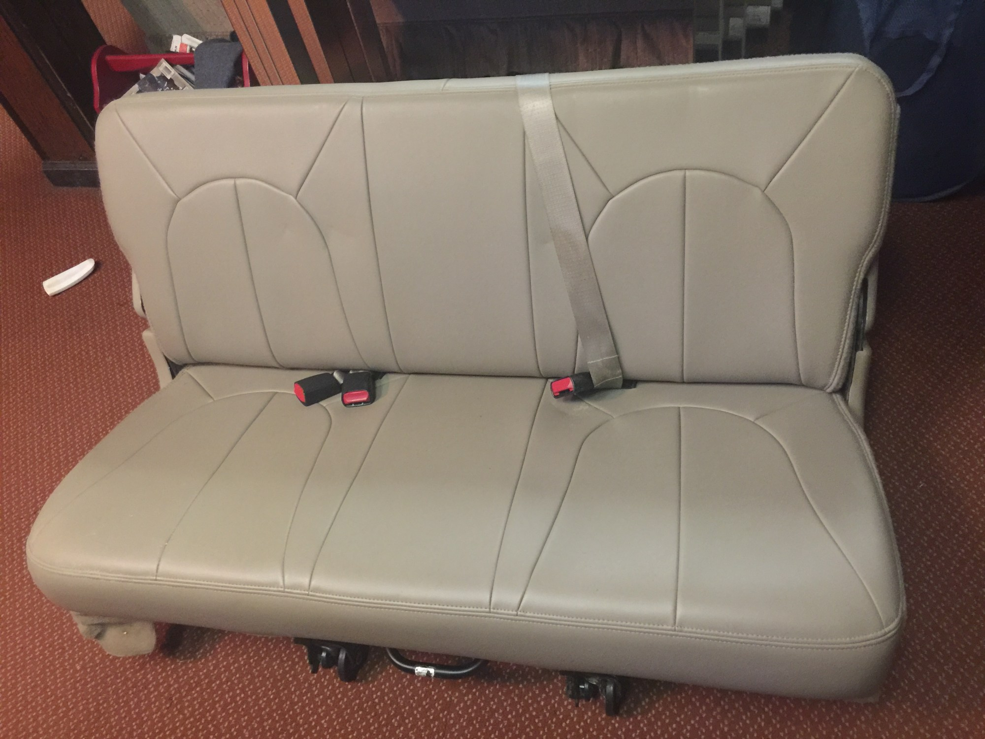 hight resolution of 3rd row seat from 2000 ford expedition