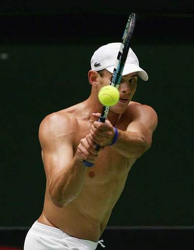 Roddick_shirtless_5