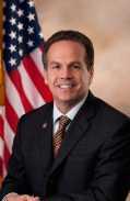 David_Cicilline,_Official_Portrait,_112th_Congress_2