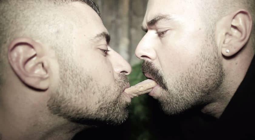 Shemale cuming in girls mouth