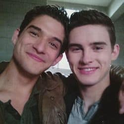 Tyler-posey-and-michael-johnston