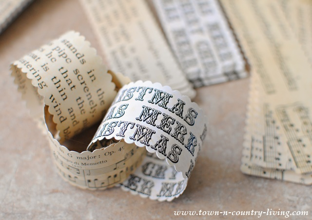 vintage christmas paper chain