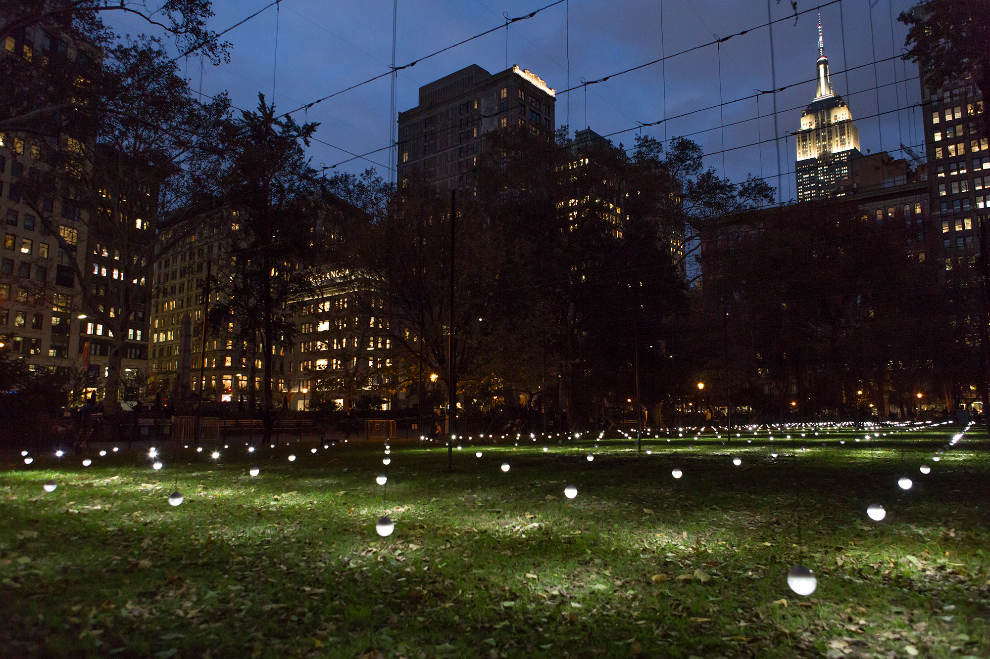 Animated light sculpture debuts in Madison Square Park
