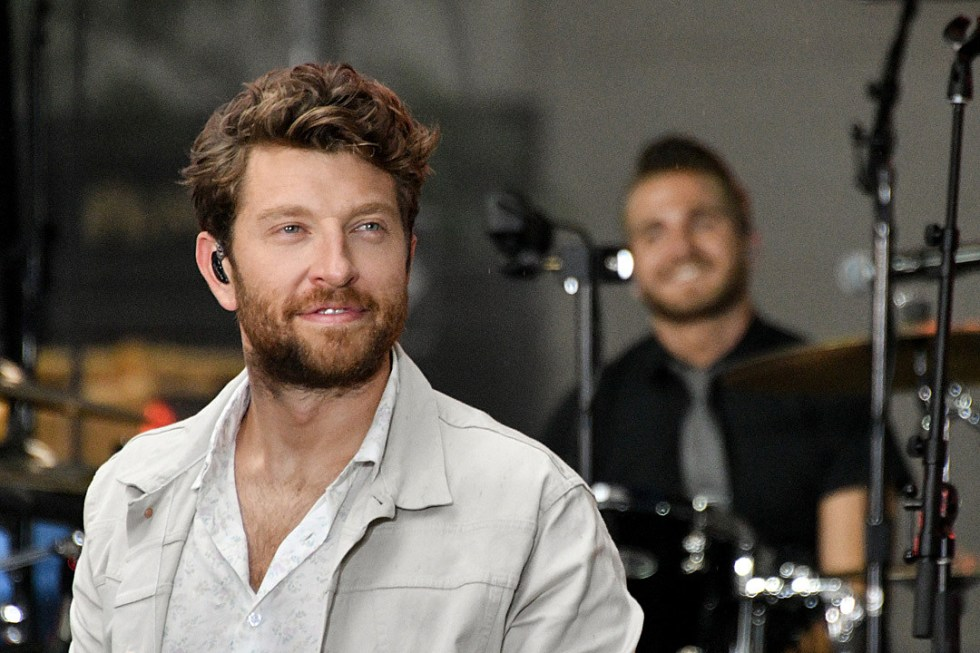 Brett Eldredge Dog Edgar