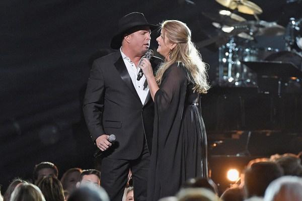 Garth Trisha Will Cut Live Duets Album in Front of Live Crowd