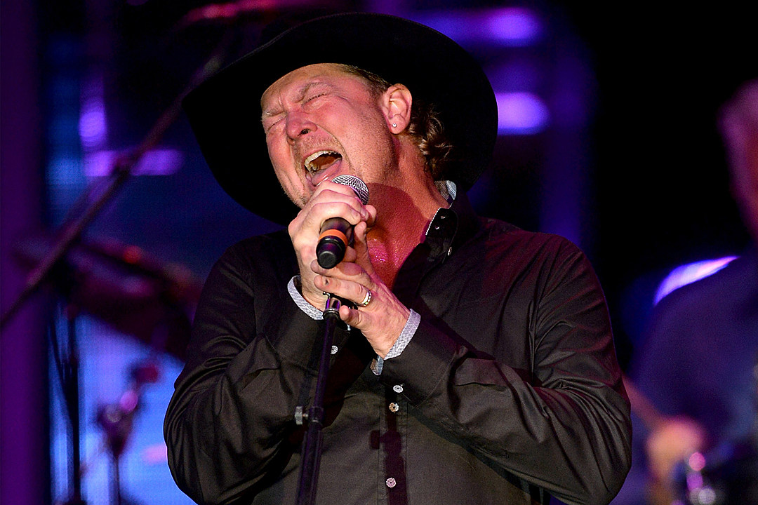 The Best Tracy Lawrence Songs: 20 Hits From 30 Years of Music