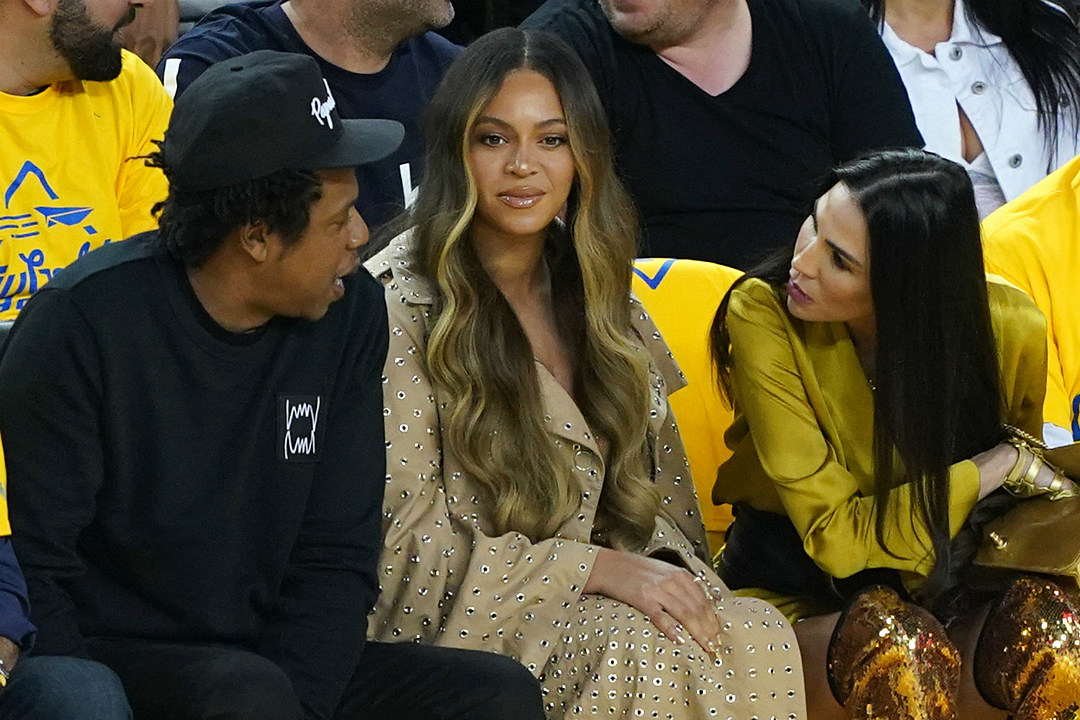 Video Of Beyonce S Reaction As Woman Talks To Jay Z At Nba