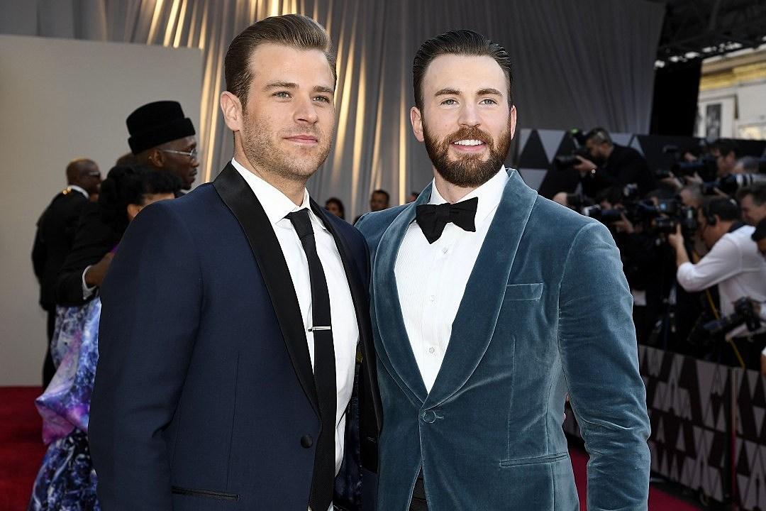 Chris Evans Brother Scott Jokes About Actor S Alleged