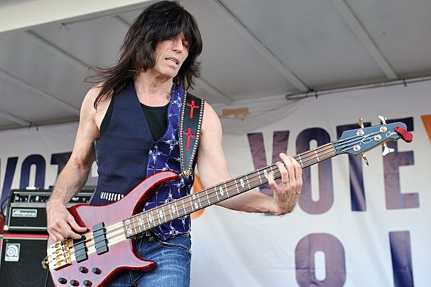 Blue Oyster Cult Bassist Rudy Sarzo Announces Departure