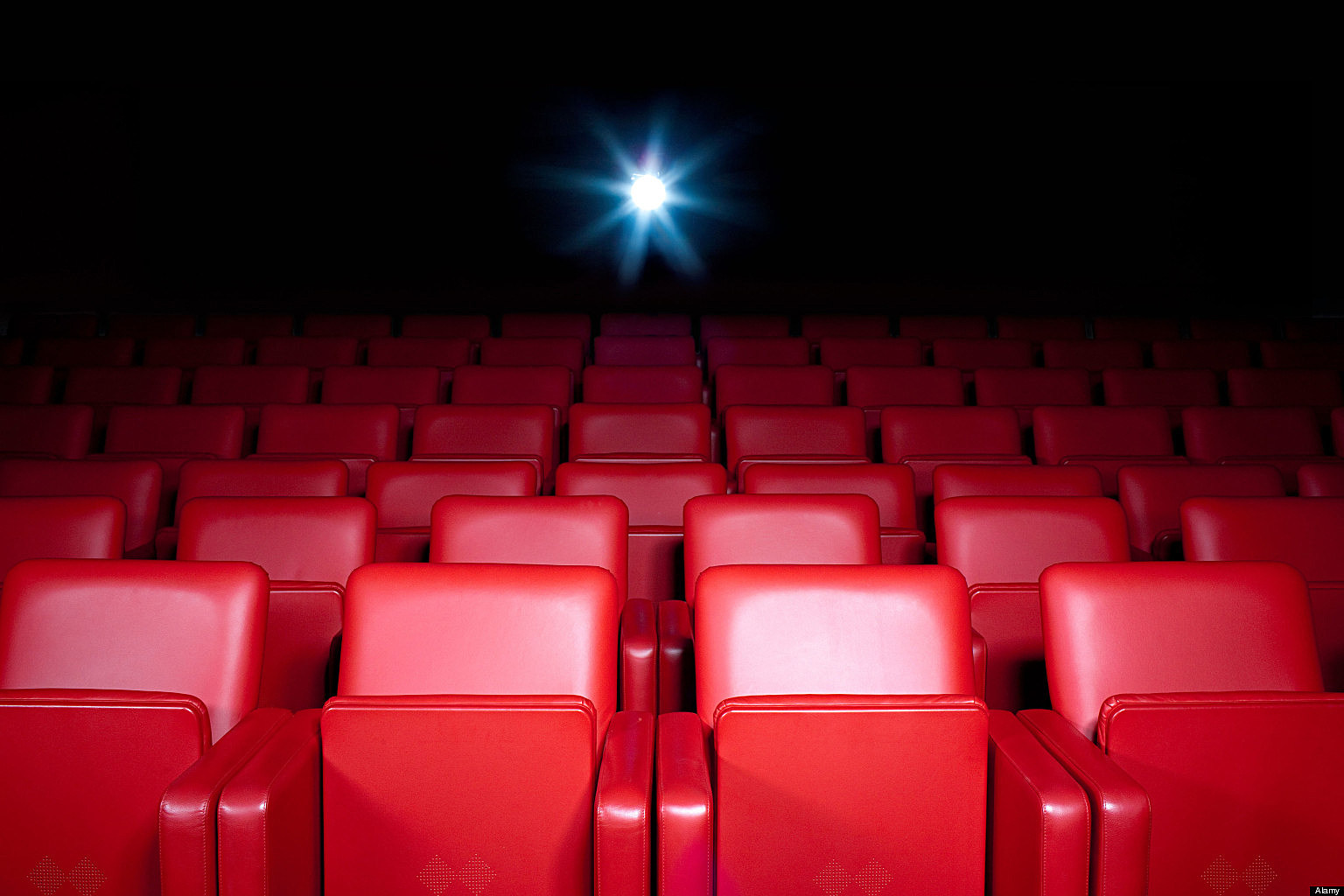 Reclining Chair Movie Theater A Man Died After His Head Got Trapped In Movie Theater Seat