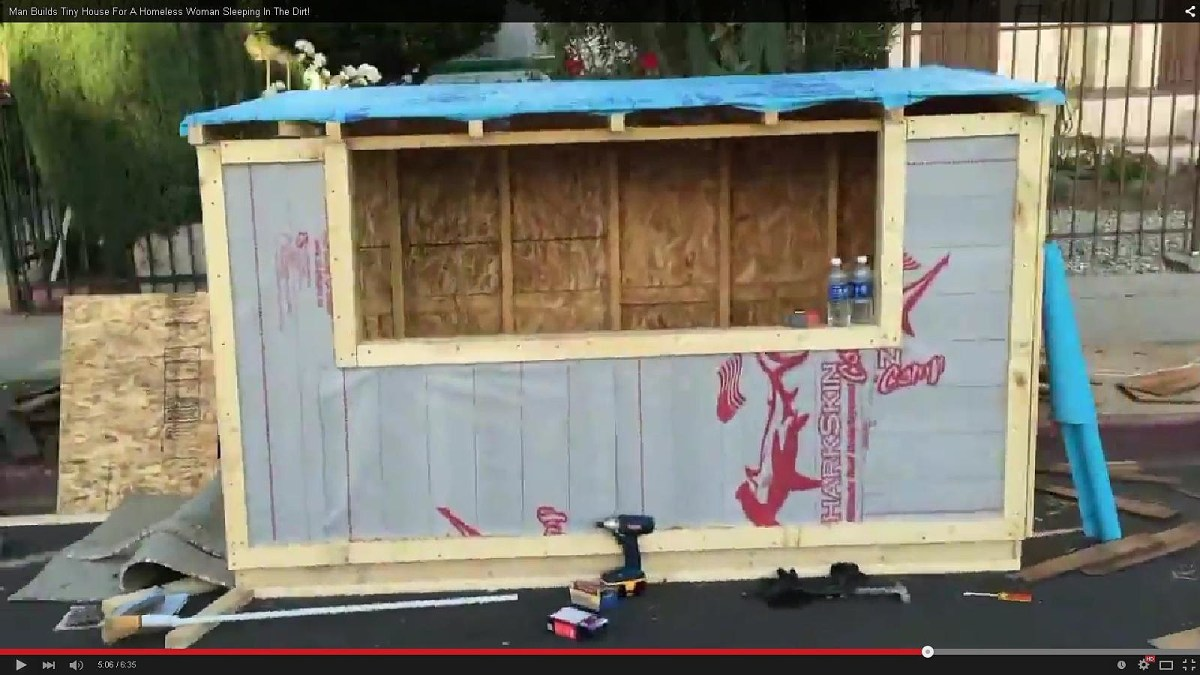 Man Builds Tiny Houses For The Homeless Video