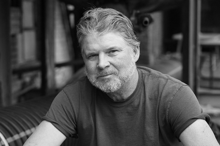 Interview: Chris Knight Discusses New LP, 'Almost Daylight'