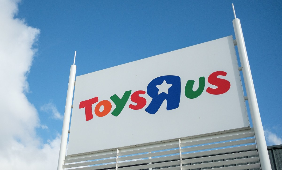 Halloween Stores Spook Up Vacant Toys R Us World Market