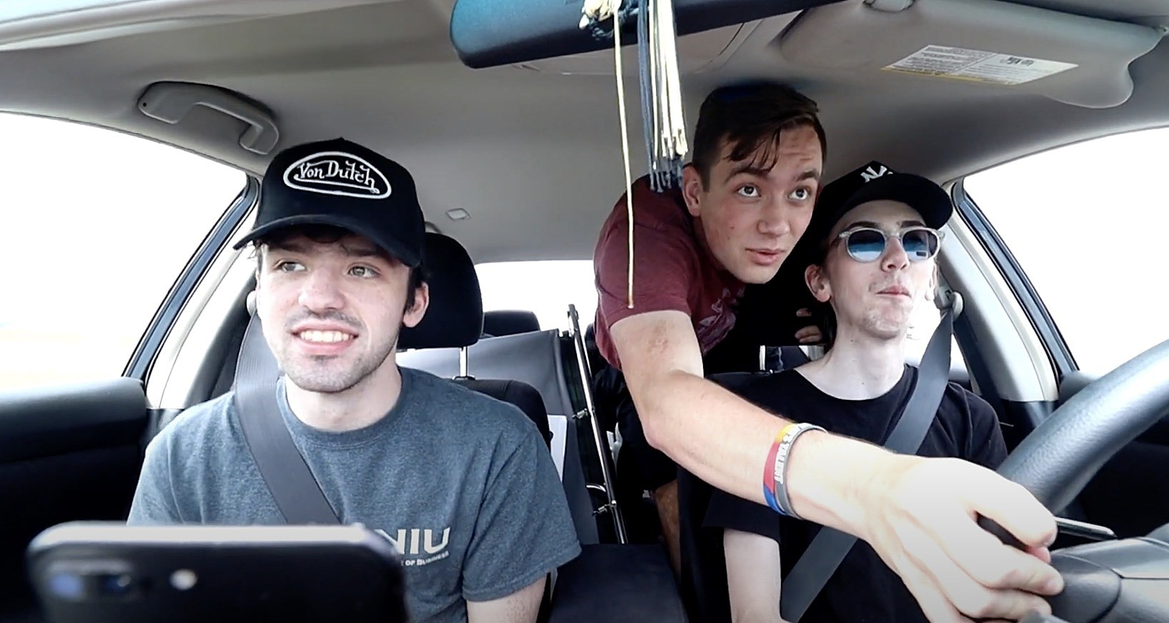 Only putting this video on for entertainment!!!lyrics,big wheels keep on turning carry me home to see m. Illinois Friends Play Sweet Home Alabama For 7 Hrs On Road Trip