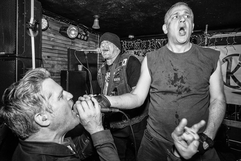an interview with the Dwarves & pics from The Kingsland