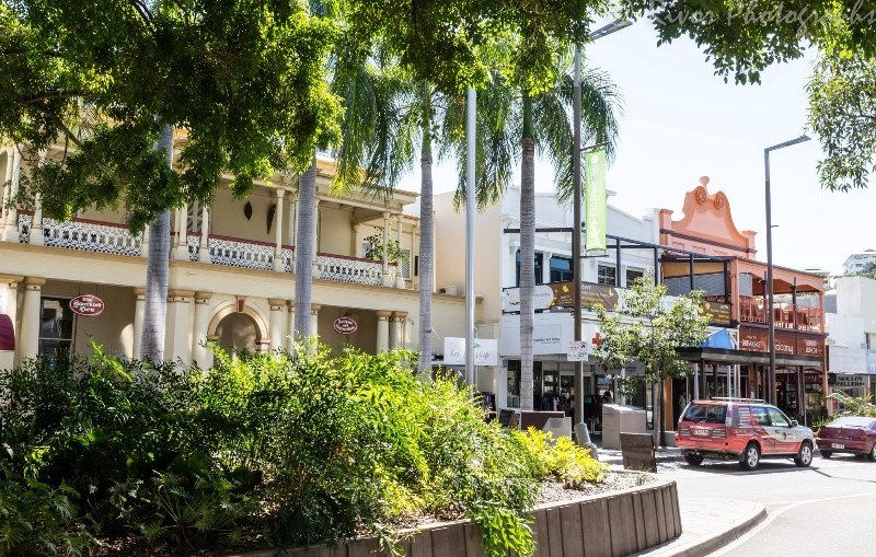 Parking - Townsville City Flinders Street Mall on street parking