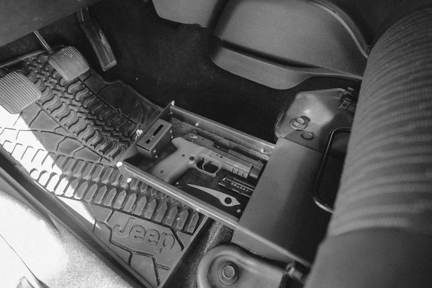 Bestop Highrock 4x4 Under Seat Lock Box For Wrangler Jku
