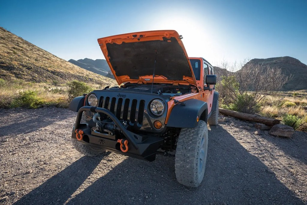 Texas-Big-Bend-jeep-trouble