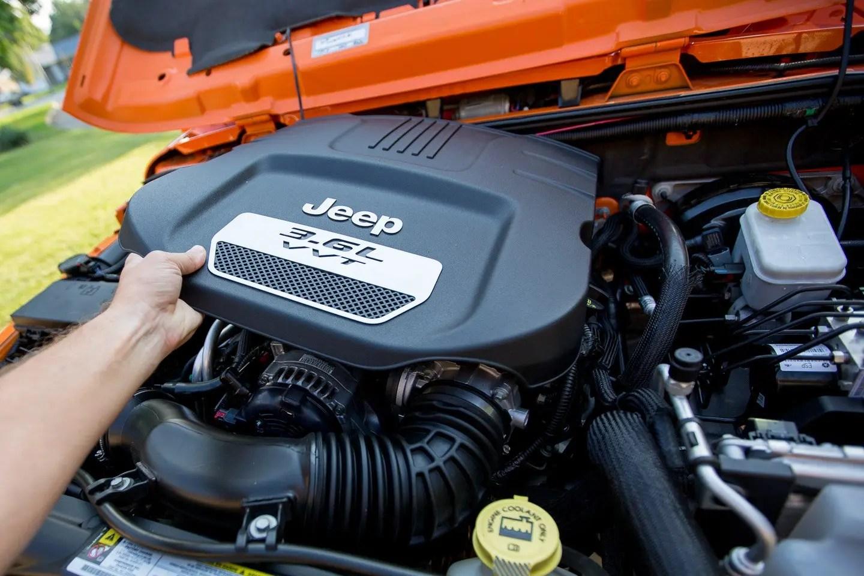jeep wrangler 3 6l pentastar engine oil change 2012 13 14 15 16. Black Bedroom Furniture Sets. Home Design Ideas