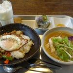 【絲cafe(いとカフェ)/富山市】美味い!!ガパオ、フォー、コン ビー、どれも最高!富山市のおしゃれなカフェでエスニック料理を楽しむ