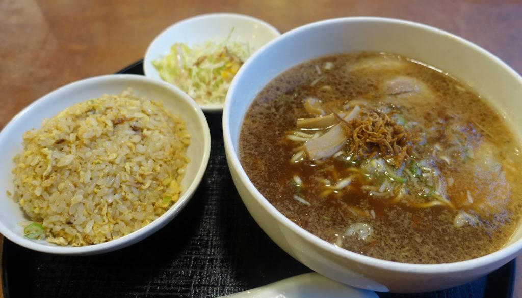 醤油拉麺(炒飯セット)